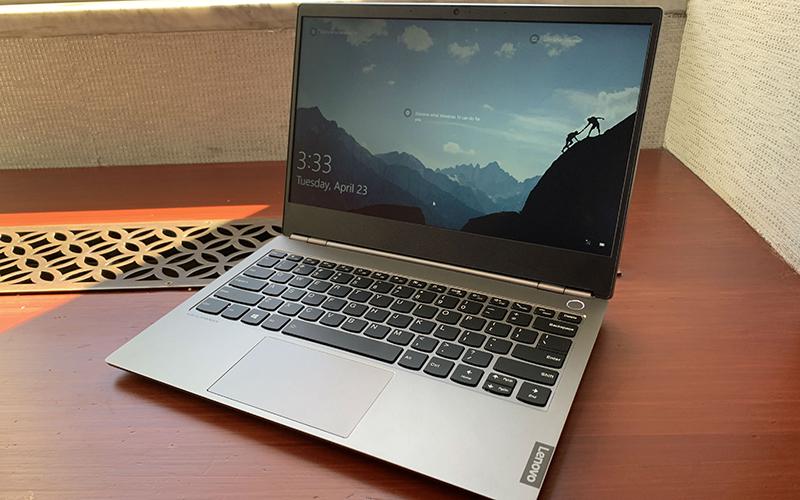 Lenovo busca a los jóvenes profesionales con su ThinkBook